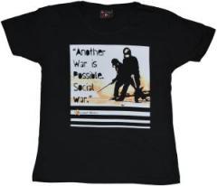 """Zum tailliertes T-Shirt """"Social War"""" für 17,00 € gehen."""