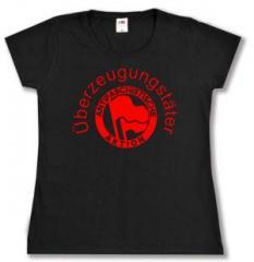 """Zum Girlie-Shirt """"Überzeugungstäter Fahnen"""" für 14,00 € gehen."""