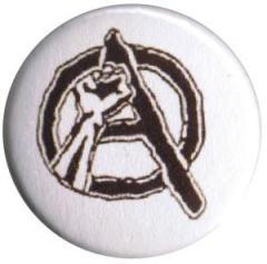 """Zum 25mm Button """"Anarchie Faust"""" für 0,80 € gehen."""