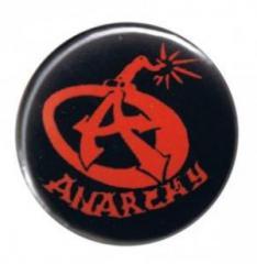 """Zum 25mm Button """"Anarchy Bomb"""" für 0,80 € gehen."""