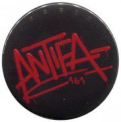 """Zum 25mm Button """"Antifa 161"""" für 0,80 € gehen."""