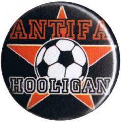 """Zum 25mm Button """"Antifa Hooligan"""" für 0,80 € gehen."""
