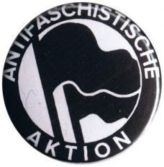 """Zum 25mm Button """"Antifaschistische Aktion (1932, schwarz/schwarz)"""" für 0,80 € gehen."""