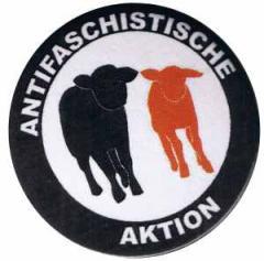 """Zum 25mm Button """"Antifaschistische Aktion - Schafe"""" für 0,70 € gehen."""