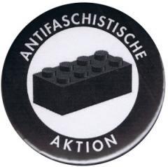 """Zum 25mm Button """"Antifaschistische Aktion - schwarzer Block"""" für 0,80 € gehen."""