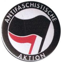 """Zum 25mm Button """"Antifaschistische Aktion (schwarz/pink)"""" für 0,70 € gehen."""