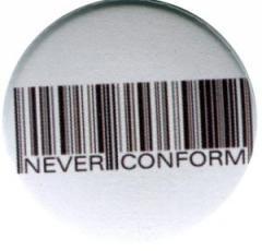 """Zum 25mm Button """"Barcode - Never conform"""" für 0,80 € gehen."""
