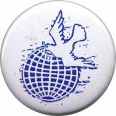 """Zum 25mm Button """"Erde mit Friedenstaube"""" für 0,80 € gehen."""