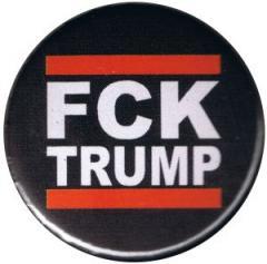 """Zum 25mm Button """"FCK TRUMP"""" für 0,80 € gehen."""