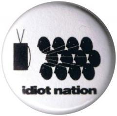 """Zum 25mm Button """"Idiot nation"""" für 0,80 € gehen."""