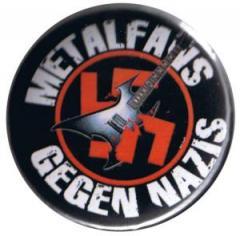 """Zum 25mm Button """"Metalfans gegen Nazis (schwarz)"""" für 0,78 € gehen."""