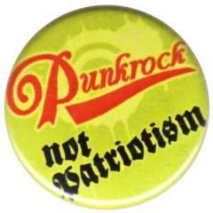 """Zum 25mm Button """"Punkrock not patriotism"""" für 0,80 € gehen."""