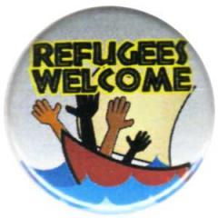 """Zum 25mm Button """"Refugees welcome (Boot)"""" für 0,80 € gehen."""