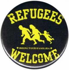 """Zum 25mm Button """"Refugees welcome (gelb/schwarz)"""" für 0,78 € gehen."""