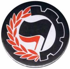 """Zum 25mm Button """"Working Class Antifa"""" für 0,80 € gehen."""