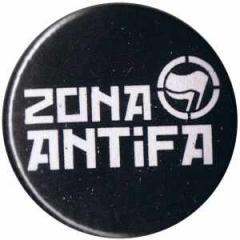 """Zum 25mm Button """"Zona Antifa"""" für 0,80 € gehen."""