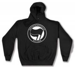 """Zum Kapuzen-Pullover """"Antifaschistische Aktion (schwarz/schwarz)"""" für 27,00 € gehen."""