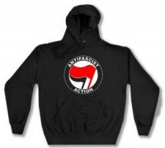 """Zum Kapuzen-Pullover """"Antifascist Action (rot/schwarz)"""" für 28,00 € gehen."""