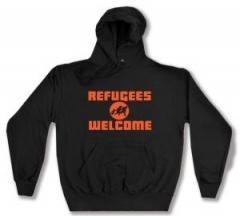 """Zum Kapuzen-Pullover """"Refugees welcome (Quer)"""" für 27,29 € gehen."""