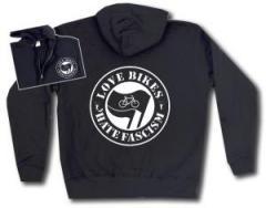 """Zur Kapuzen-Jacke """"Love Bikes Hate Fascism"""" für 29,24 € gehen."""