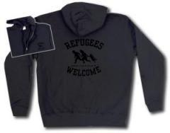 """Zur Kapuzen-Jacke """"Refugees welcome (schwarz)"""" für 30,00 € gehen."""