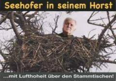 """Zur Postkarte """"Seehofer in seinem Horst"""" für 1,00 € gehen."""