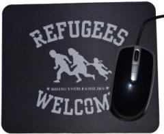 """Zum Mousepad """"Refugees welcome (weiß)"""" für 7,00 € gehen."""