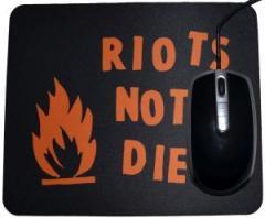 """Zum Mousepad """"Riots not diets"""" für 7,00 € gehen."""