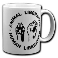 """Zur Tasse """"Animal Liberation - Human Liberation"""" für 9,75 € gehen."""