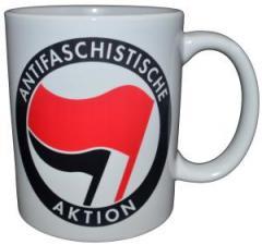 """Zur Tasse """"Antifaschistische Aktion (rot/schwarz)"""" für 10,00 € gehen."""