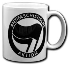 """Zur Tasse """"Antifaschistische Aktion (schwarz/schwarz)"""" für 9,75 € gehen."""