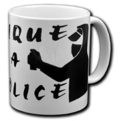 """Zur Tasse """"Nique la police"""" für 10,00 € gehen."""