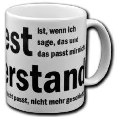 """Zur Tasse """"Protest ist, wenn ich sage, das und das passt mir nicht. Widerstand ist, wenn das, was mir nicht passt, nicht mehr geschieht."""" für 10,00 € gehen."""