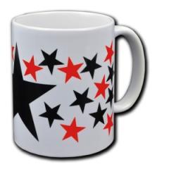 """Zur Tasse """"Schwarze und rote Sterne"""" für 9,75 € gehen."""