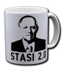 """Zur Tasse """"Stasi 2.0"""" für 10,00 € gehen."""