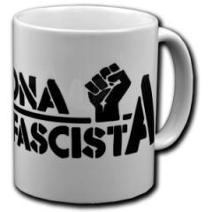 """Zur Tasse """"Zona Antifascista"""" für 9,75 € gehen."""