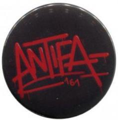 """Zum 25mm Magnet-Button """"Antifa 161"""" für 2,00 € gehen."""