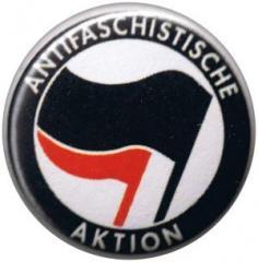 """Zum 25mm Magnet-Button """"Antifaschistische Aktion (schwarz/rot)"""" für 2,00 € gehen."""