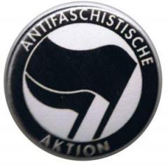 """Zum 25mm Magnet-Button """"Antifaschistische Aktion (schwarz/schwarz)"""" für 1,95 € gehen."""