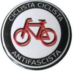 """Zum 25mm Magnet-Button """"Ciclista Ciclista Antifascista"""" für 2,00 € gehen."""