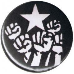 """Zum 25mm Magnet-Button """"Fist and Star"""" für 1,95 € gehen."""