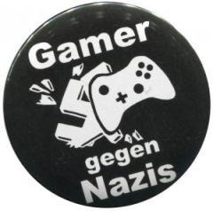"""Zum 25mm Magnet-Button """"Gamer gegen Nazis"""" für 1,95 € gehen."""
