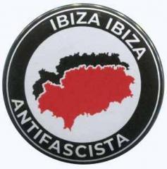 """Zum 25mm Magnet-Button """"Ibiza Ibiza Antifascista"""" für 2,00 € gehen."""