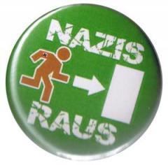 """Zum 25mm Magnet-Button """"Nazis raus"""" für 2,00 € gehen."""