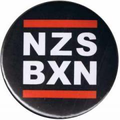 """Zum 25mm Magnet-Button """"NZS BXN"""" für 2,00 € gehen."""