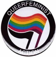 """Zum 25mm Magnet-Button """"Queerfeminist Action"""" für 1,95 € gehen."""