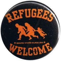 """Zum 25mm Magnet-Button """"Refugees welcome"""" für 2,00 € gehen."""