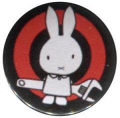 """Zum 25mm Magnet-Button """"Sabotagehase"""" für 1,95 € gehen."""