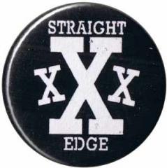"""Zum 25mm Magnet-Button """"Straight Edge"""" für 2,00 € gehen."""