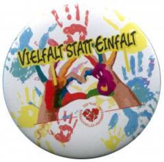 """Zum/zur  25mm Magnet-Button """"Vielfalt statt Einfalt"""" für 2,20 € gehen."""